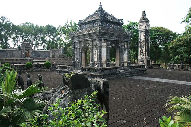 Dong Khanh Tomb