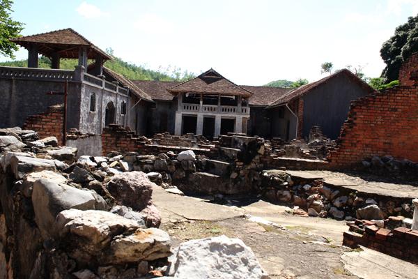 Son La Former Prison & Musée