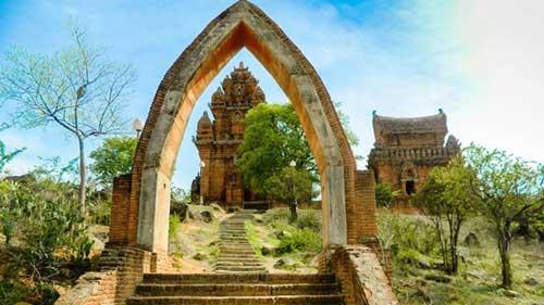 Cham complejo de la torre Po Klong Garai en Ninh Thuan-01