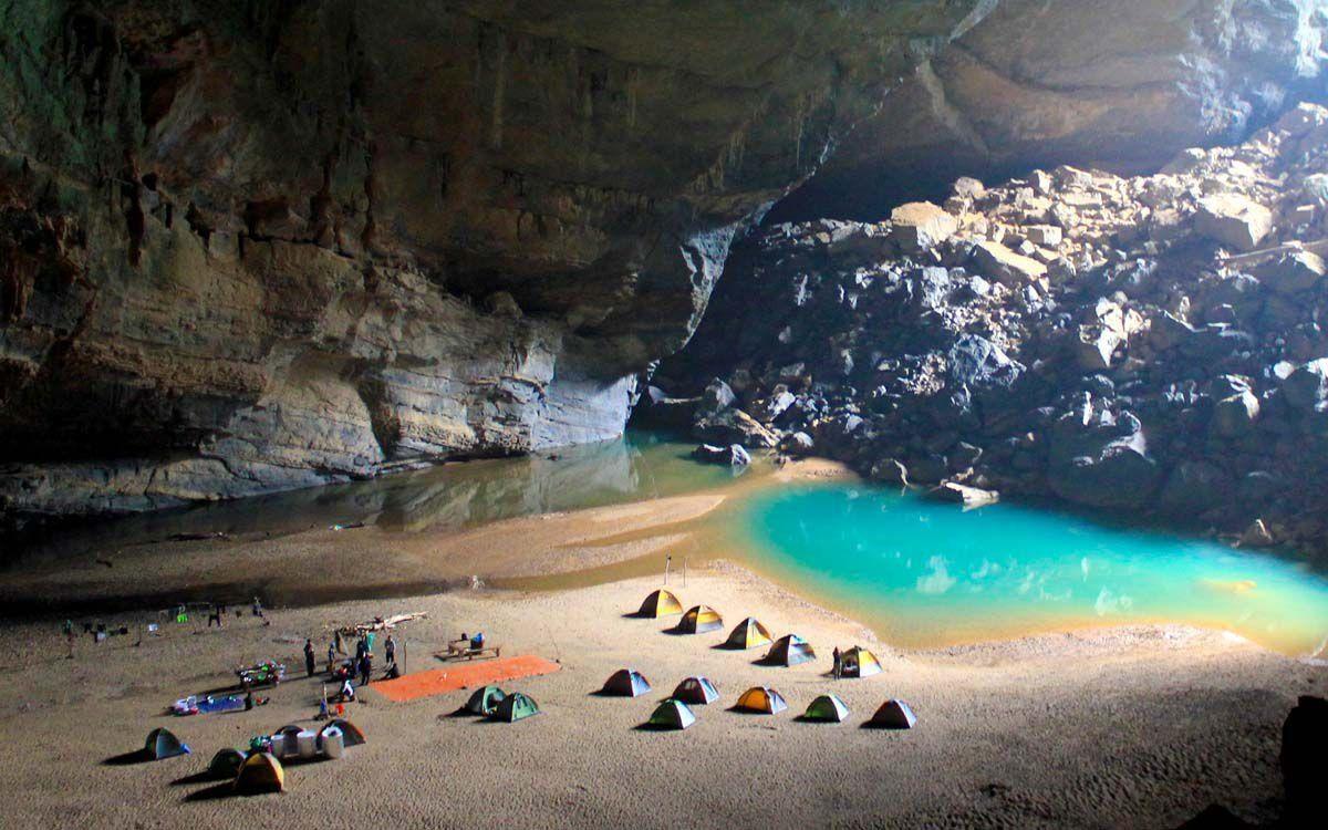 Explorez la grotte de Son Doong
