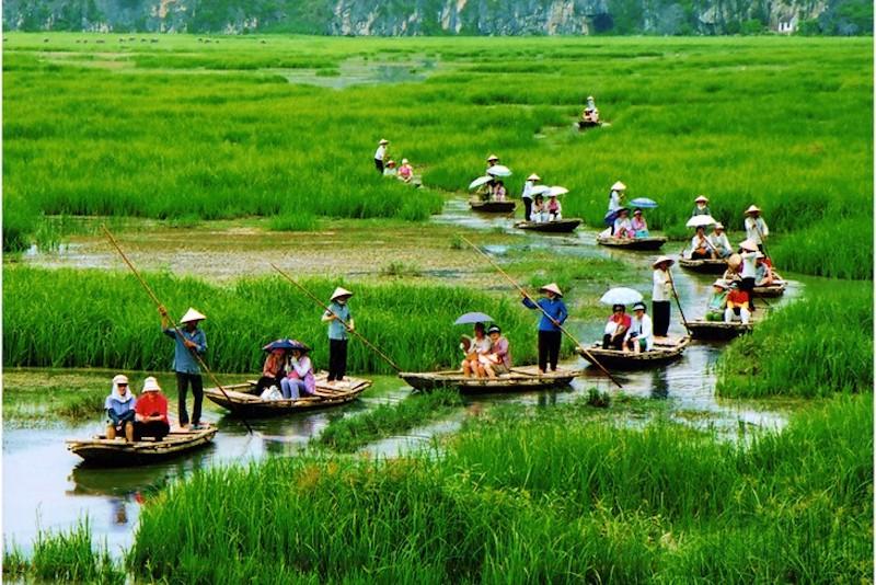 越南旅行社准备欢迎入境游客