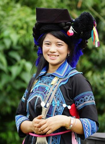 Ha Nhi ethnisches Mädchen in Y Ty