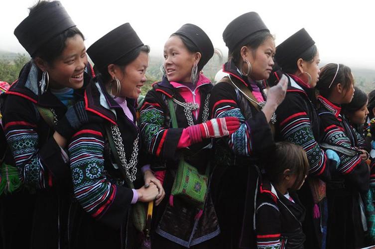 Mujeres de etnia mong en Sa Pa